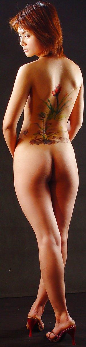Asian Ass Pics with Naked Asian Babes