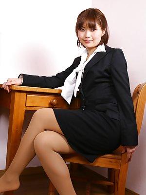 Free Asian Pantyhose Pics 63