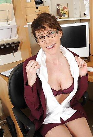 Hot Mom Glasses 93