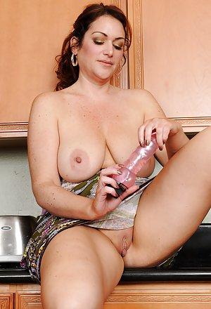 Mandy moore masturbating
