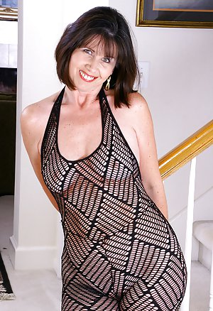 Mature Housewife Free 99
