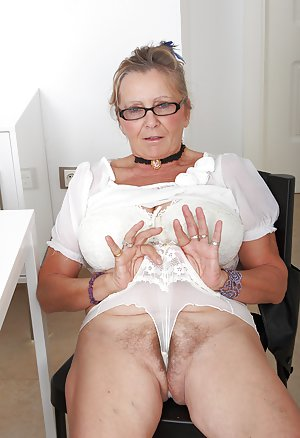 Free Sexy Granny Pics 61