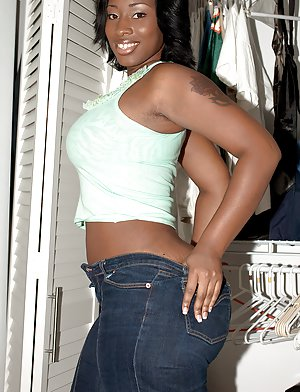 Hot Jeans pics on Ebony Pussy Pictures
