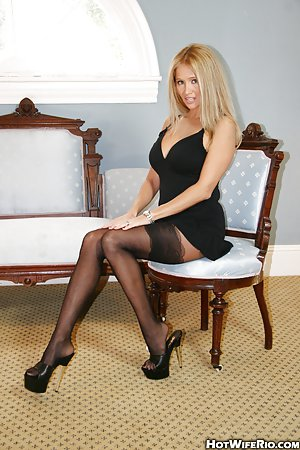 Love fill pantyhose net free the queen porn!
