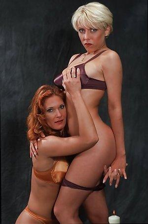 Mature Lesbians Gallaries 17