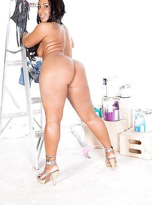 Latin Booty Pic 104