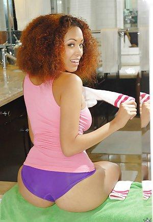 Ebony Milfs Pictures 35