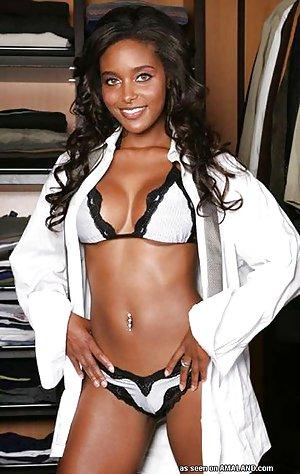 Ebony Babe Thumbs 25