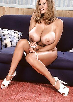 Big Boobs Pics - Busty moms, big juggs mature babes, saggy tits grannies