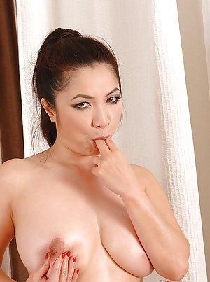Free Sexy Asian Pics 21