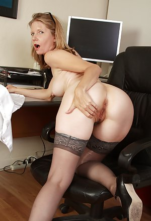 Secretary Ass pics with big ass milfs