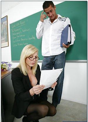 Milf teachers thumbs GOOD STEPDAD