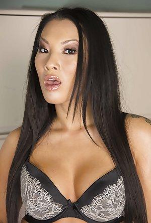 Free Sexy Asian Pics 30
