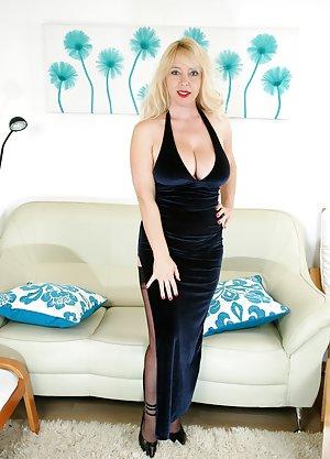 Skirt Porn Gallery 7
