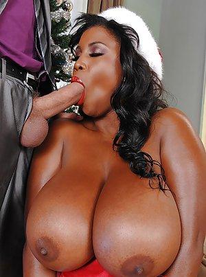 Big Tits Porn Pictures at Nude Ebony Pics