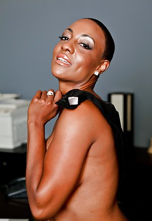 Ebony Mature Thumbs 53