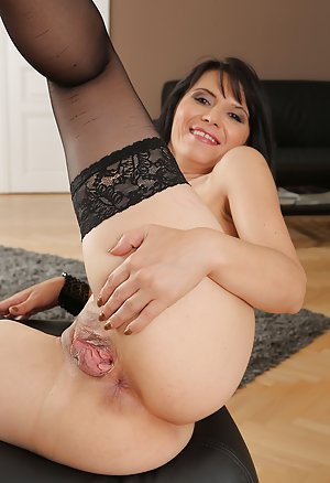 Mature brunette gracia saluda is playing with her twat - 3 part 6