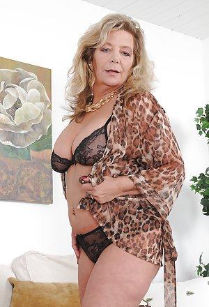 Milf Granny Pics 92