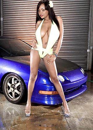 Bikini Teen Galleries 102