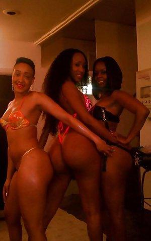 Naked Lesbiens Pics 75