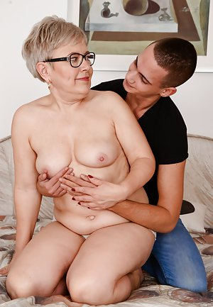 ameture mom and son sex