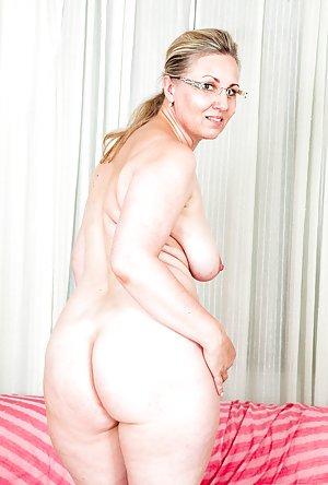 Chubby big natural tits cougar jana hairy pussy fuck 10
