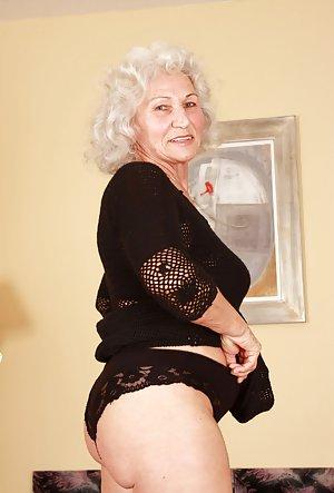 Free Granny Gallery Pics 72