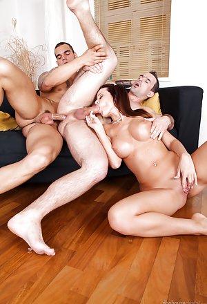 первий анальний секс фото